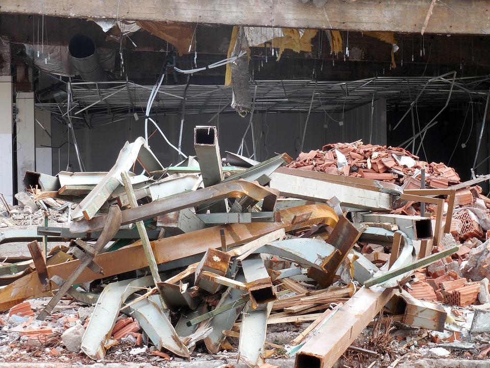 Ambiente: i rifiuti domestici da demolizione sono urbani
